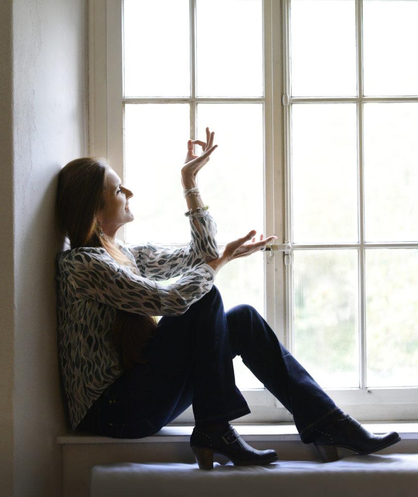 Barbara am Fenster